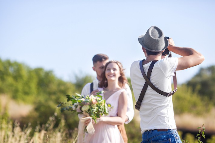 how-to-choose-a-wedding-photographer-1516351055223